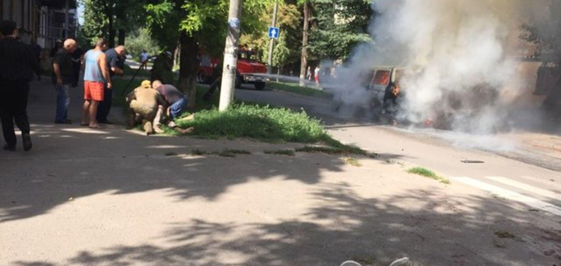 Вибух авто на Дніпропетровщині: з'явилися деталі і нові фото