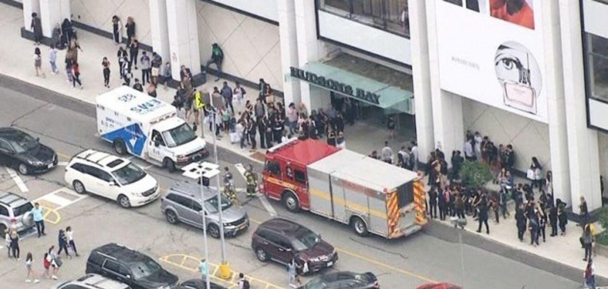Крики и паника: в Канаде устроили стрельбу в торговом центре. Все подробности