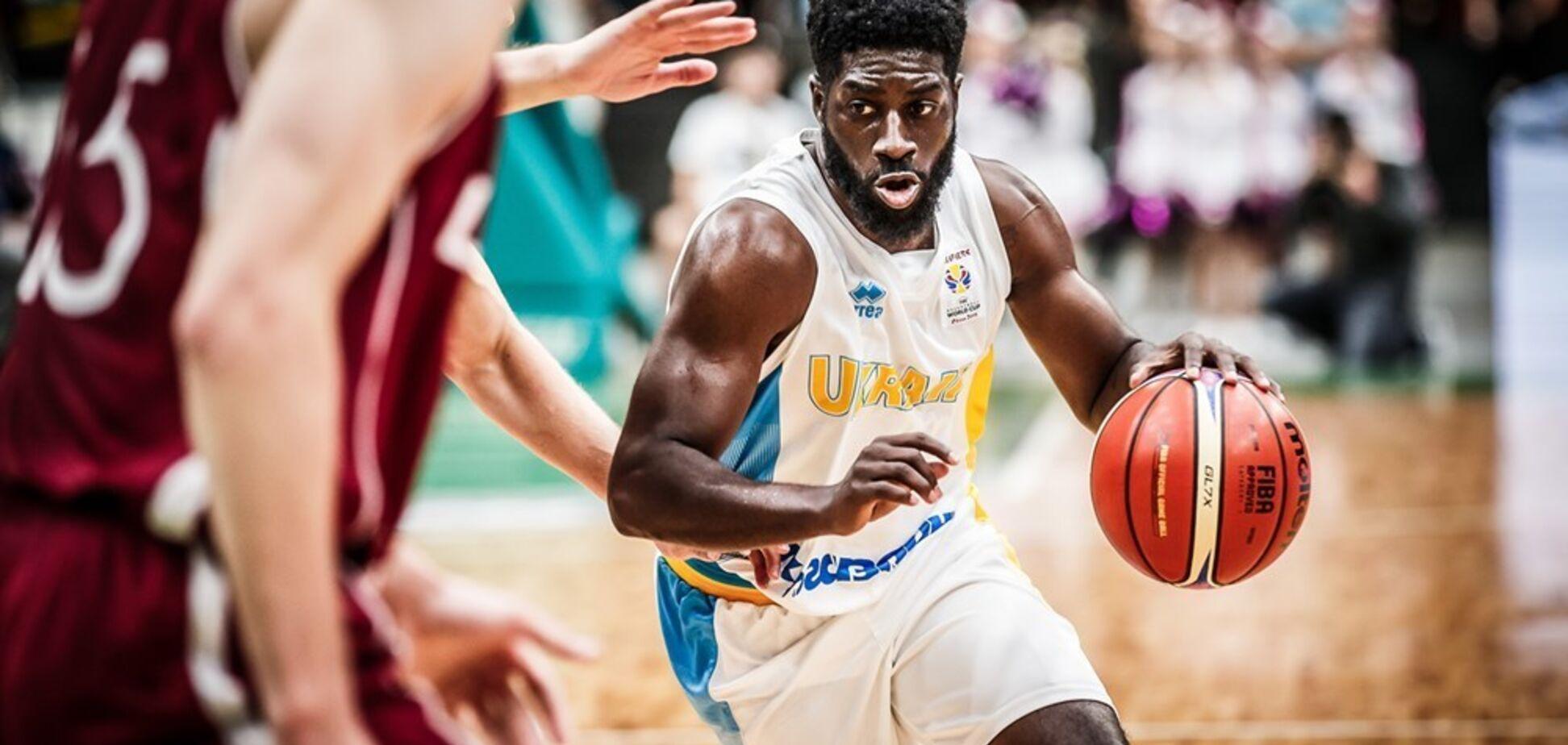 Отбор КМ-2019: Украине поможет американский баскетболист