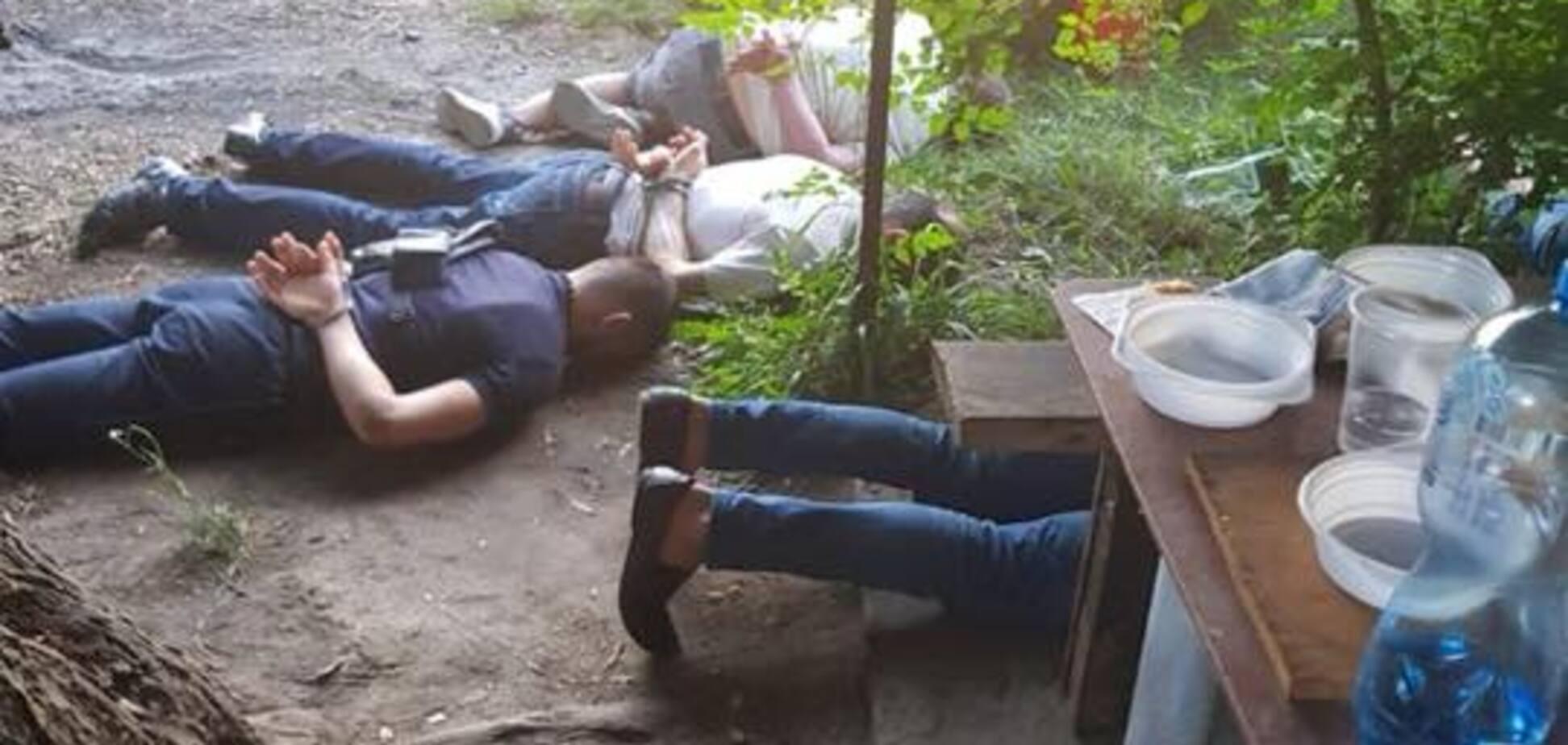 'Лягли мордою в землю': в Україні накрили сходку кримінальних авторитетів