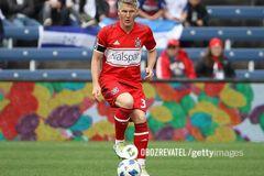 Знаменитий німецький футболіст забив неймовірний гол з 35 метрів - опубліковано відео
