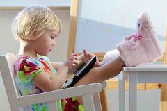 Еда под мультики: как отучить ребенка от вредной привычки