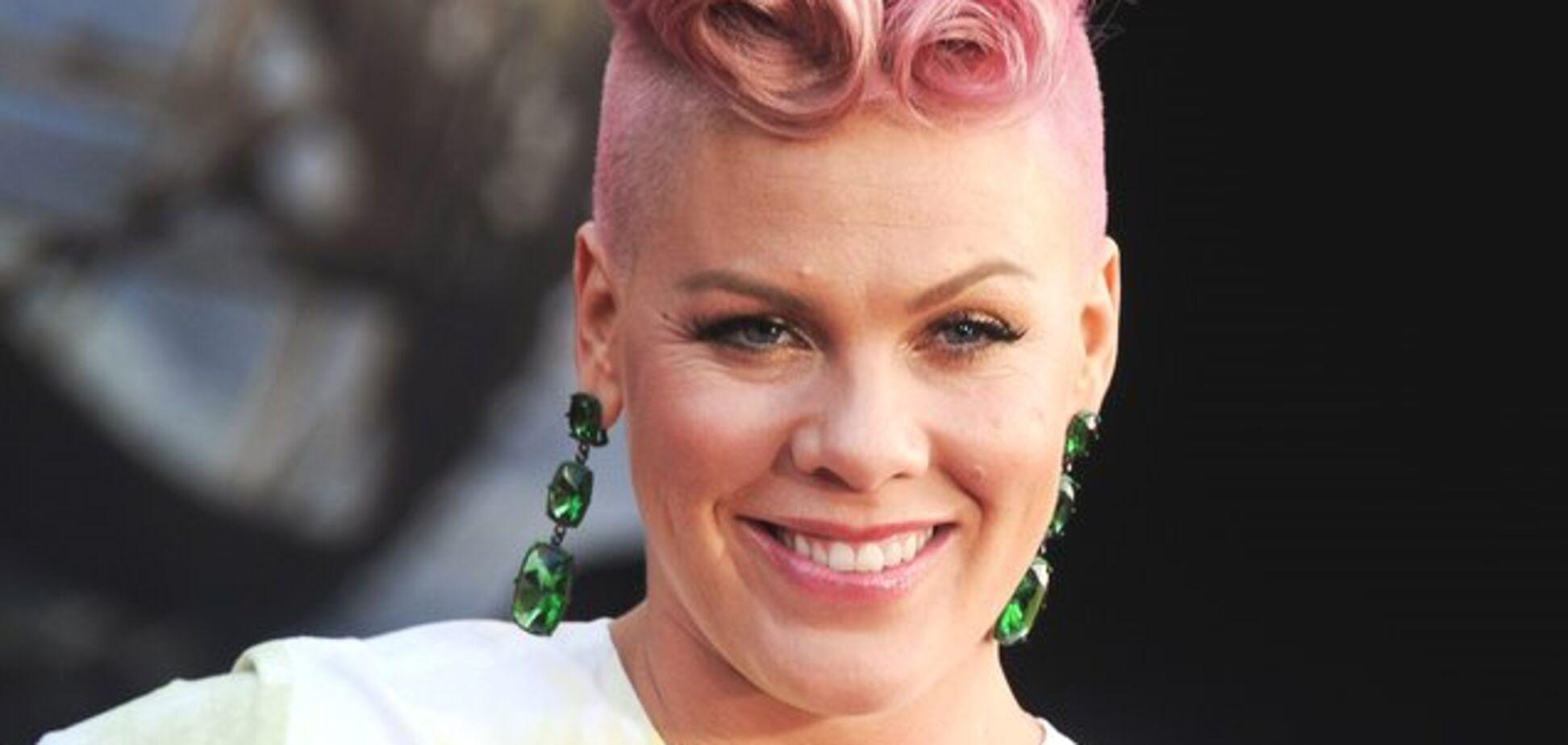 Концерты отменены: певица Pink угодила в больницу