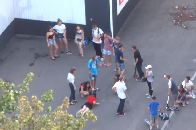 Инцидент с пьяным подростком в Харькове возмутил сеть