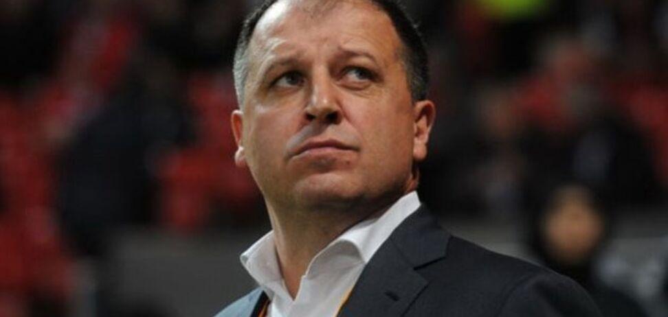 Головний тренер 'Зорі' не зміг звільнитися з клубу