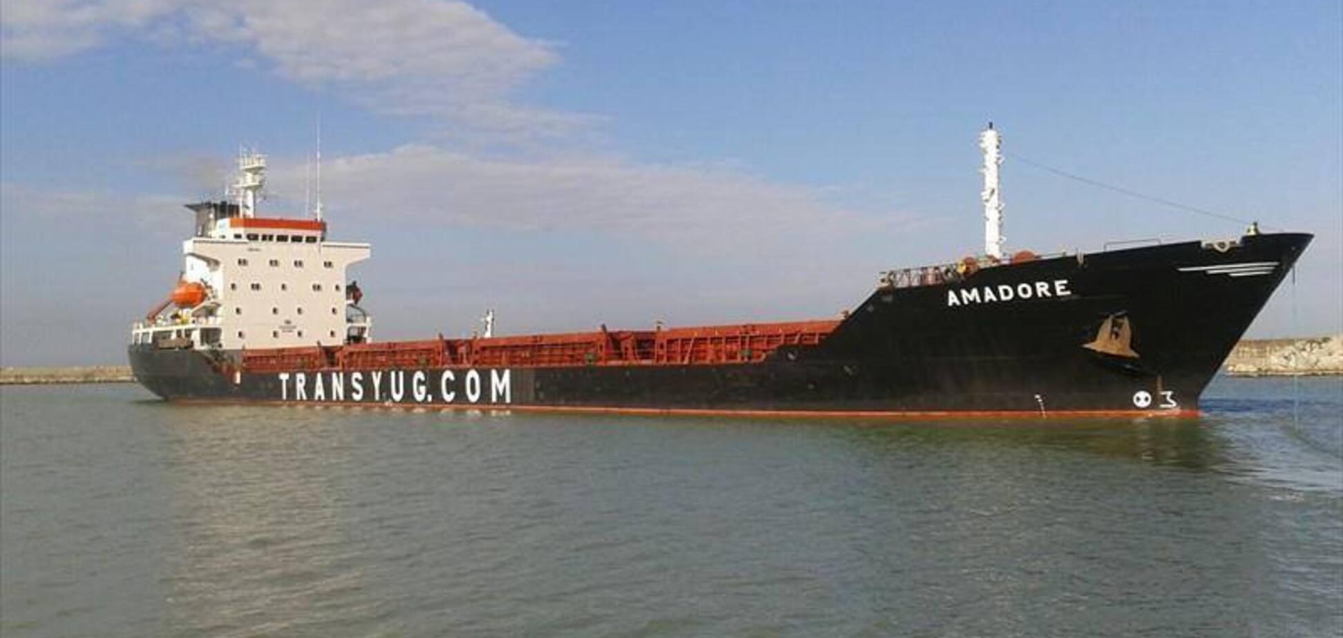Блокада Азовского моря: Россия задержала судно Украины