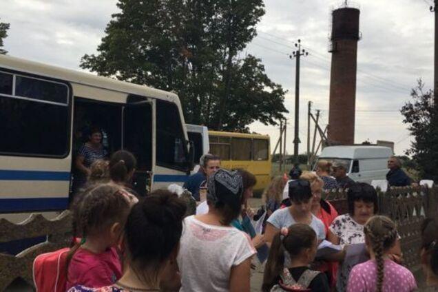 ''Химатака'' в Крыму: жители массово бегут на материковую Украину