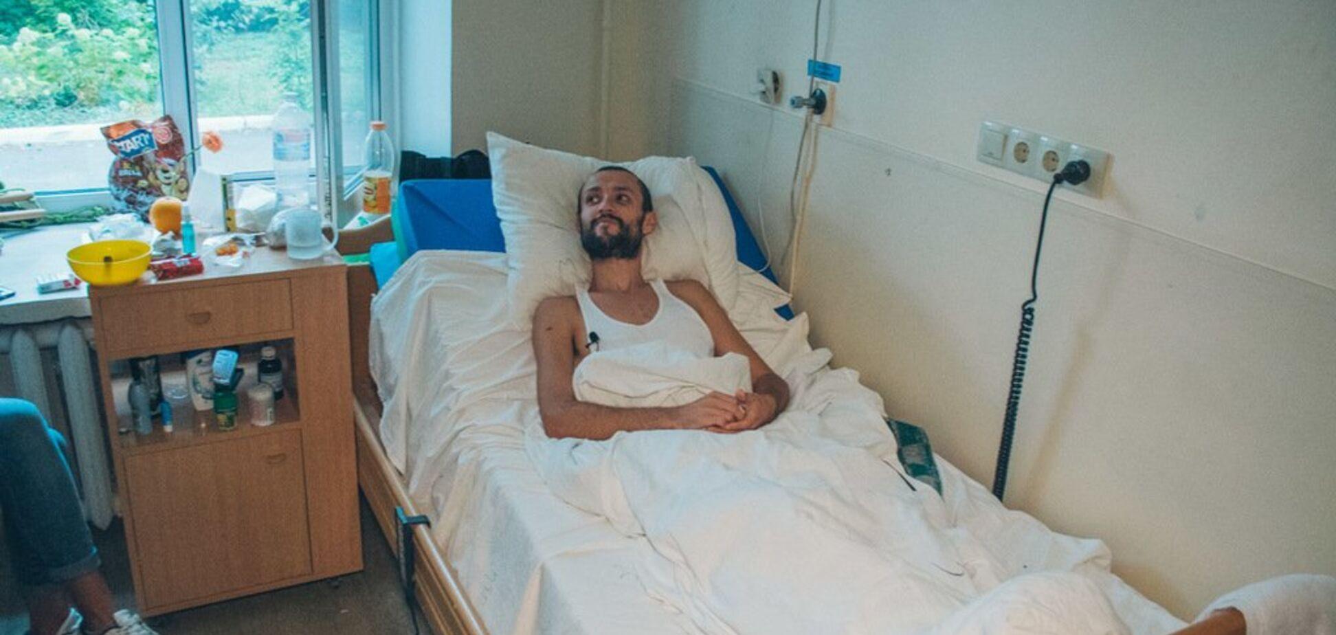 ''Мене тричі вдарили ножем'': гей розповів, як його ледь не вбили в Києві