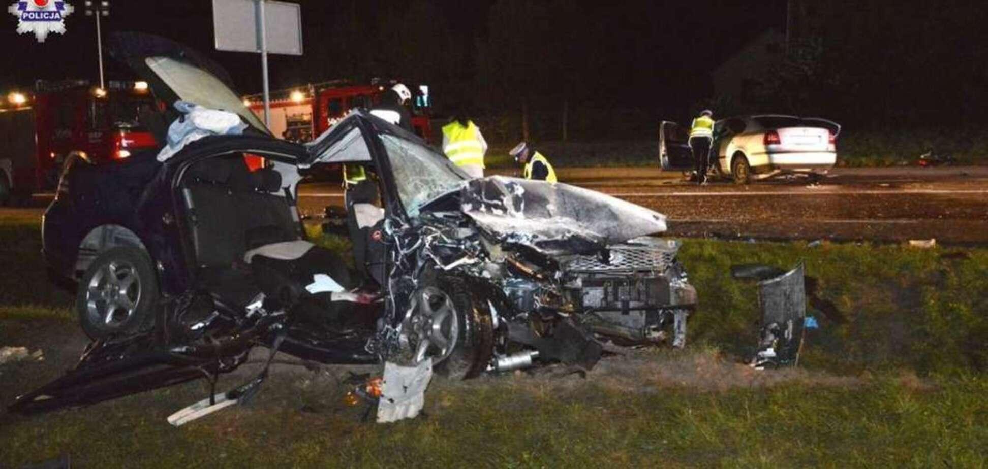 У Польщі зіткнулися два авто з українцями: 1 жертва, 6 поранених