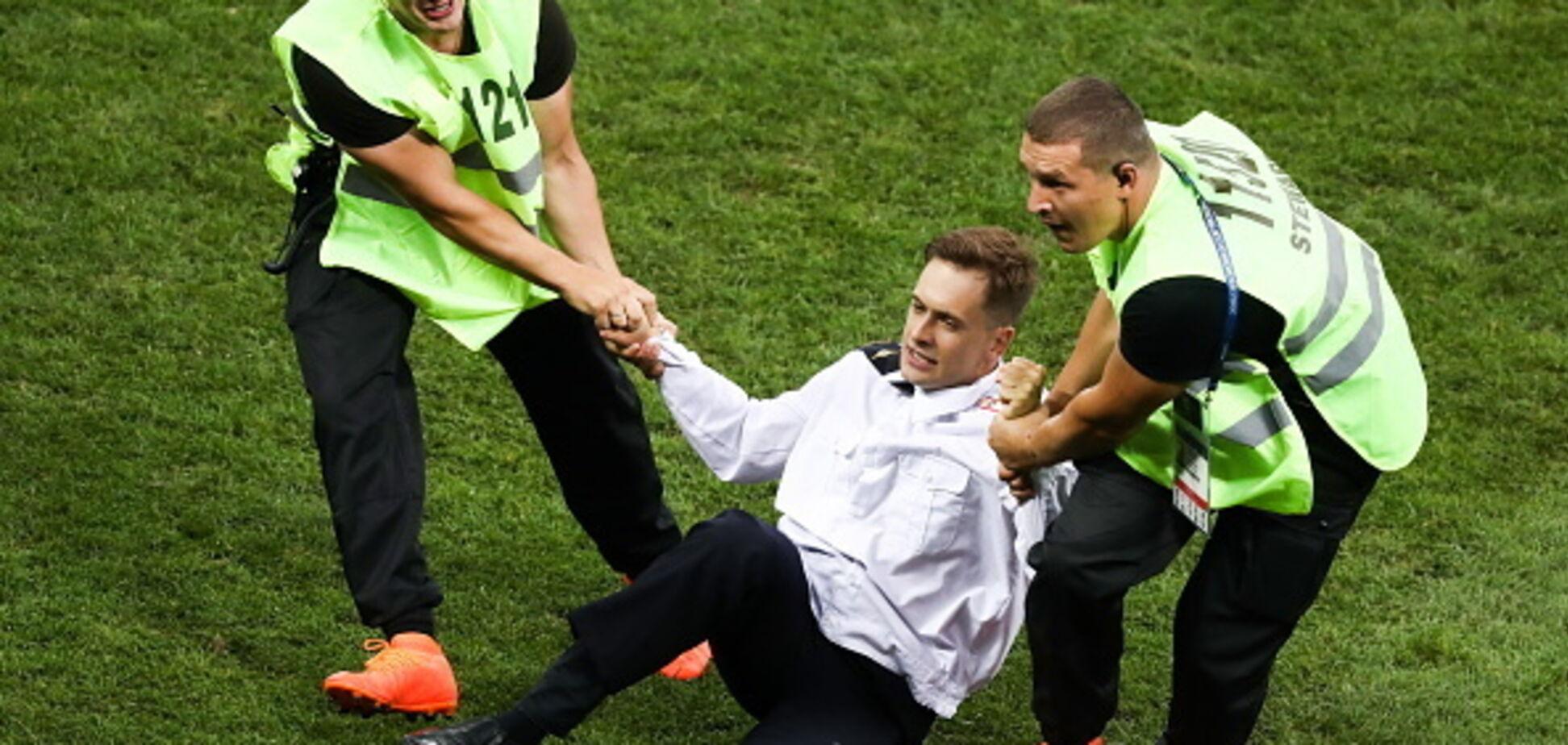 ''Путін не пробачив'': у Росії серйозно отруїли активіста, який зірвав фінал ЧС-2018