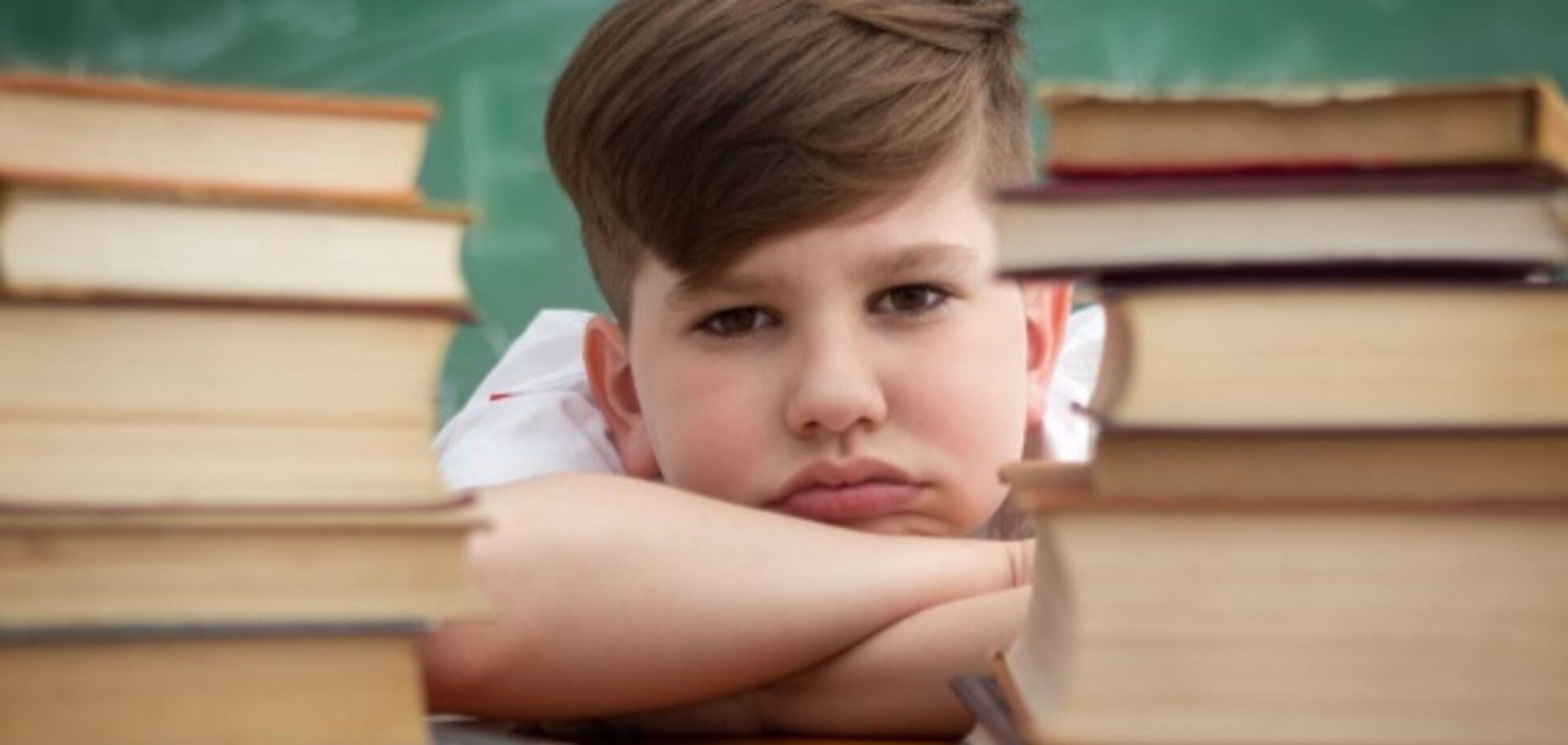 В нападении киевского школьника на учительницу рассмотрели глобальную проблему