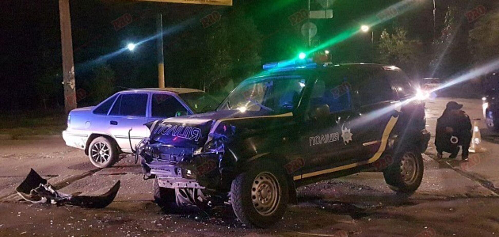 В Бердянске произошло тройное ДТП с участием полицейского автомобиля (ФОТО, ВИДЕО)