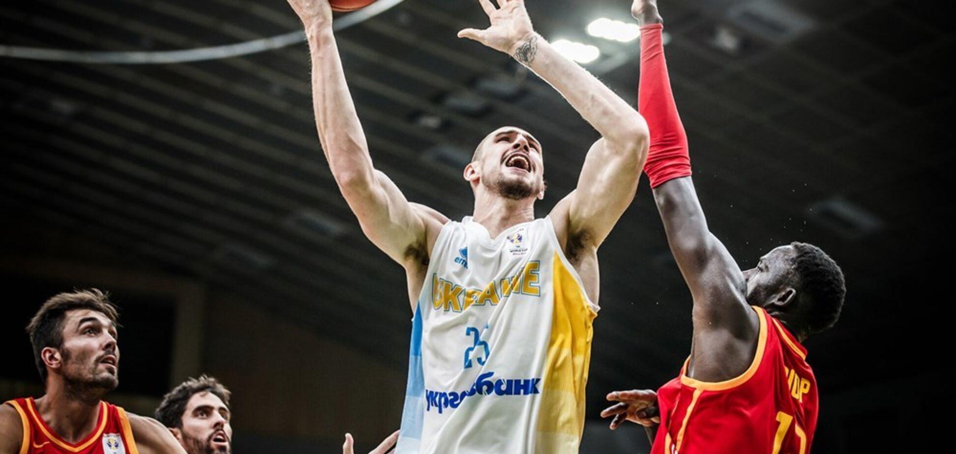 Баскетболіст збірної України засадив Іспанії ефектний данк: опубліковано яскраве відео