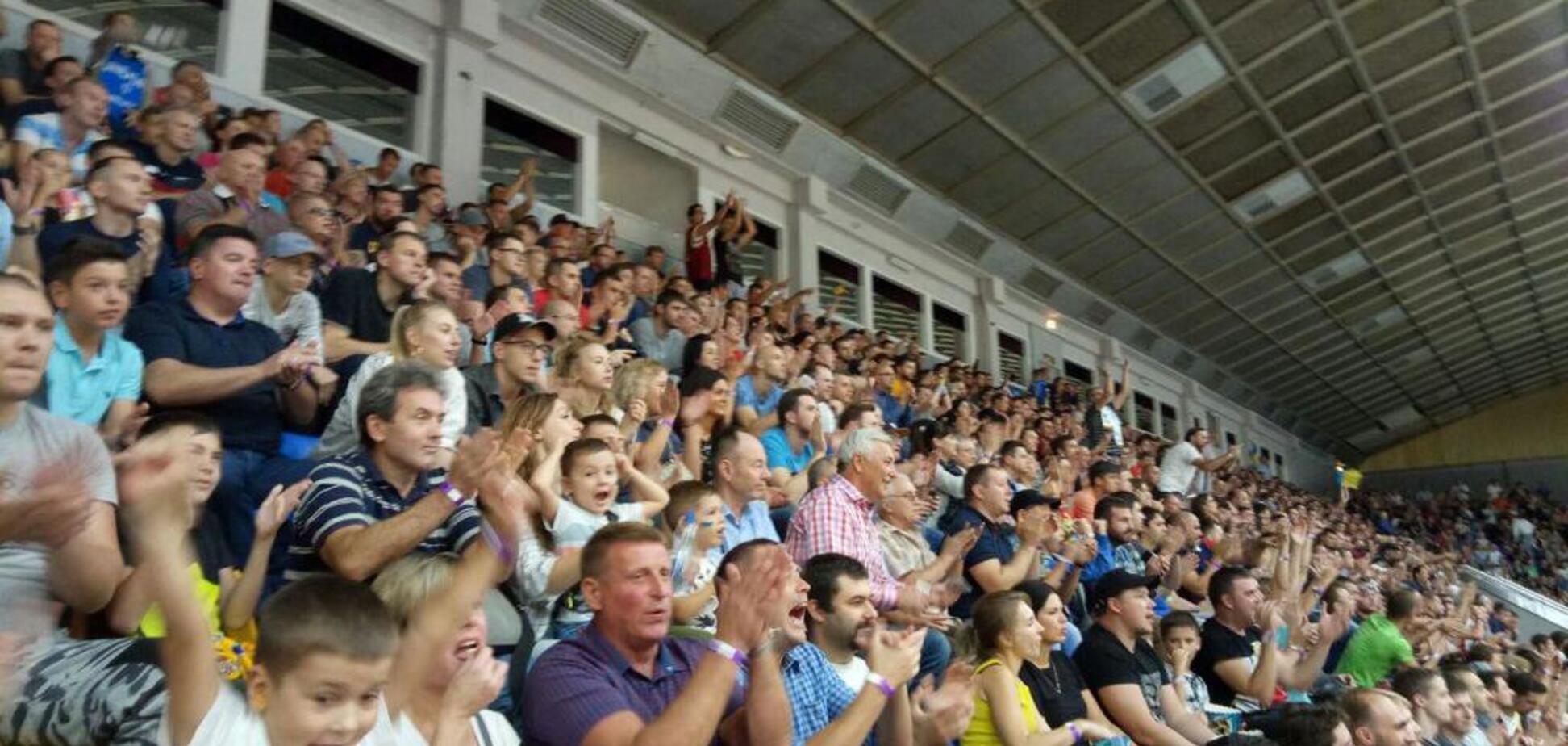 Київ влаштував стоячі овації нашій збірній з баскетболу, заспівавши гімн України