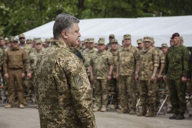 Цифри вражають: Порошенко назвав реальну кількість військових РФ на Донбасі