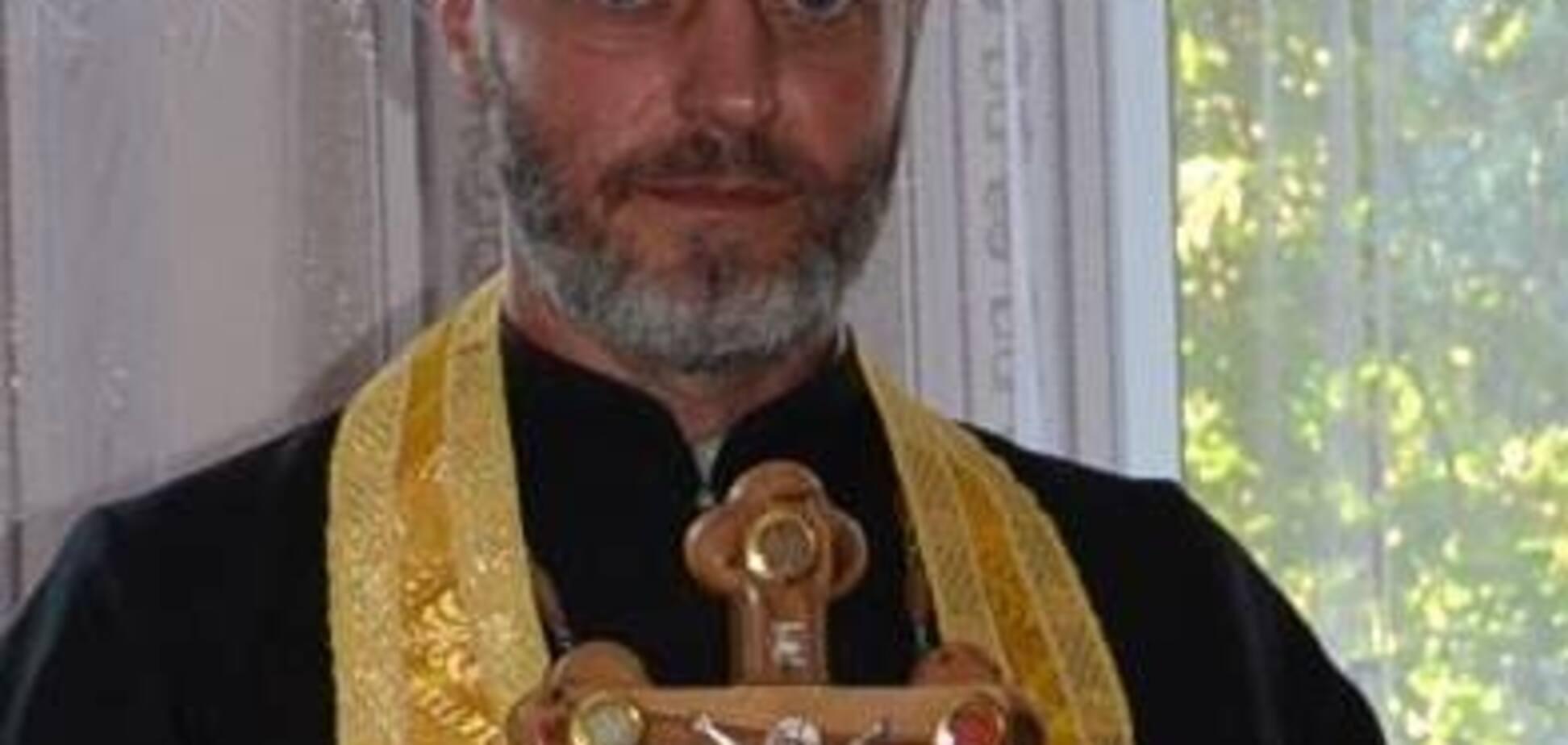 ''Погрожував забити до смерті'': священик УПЦ МП зганьбився на похоронах бійця ЗСУ