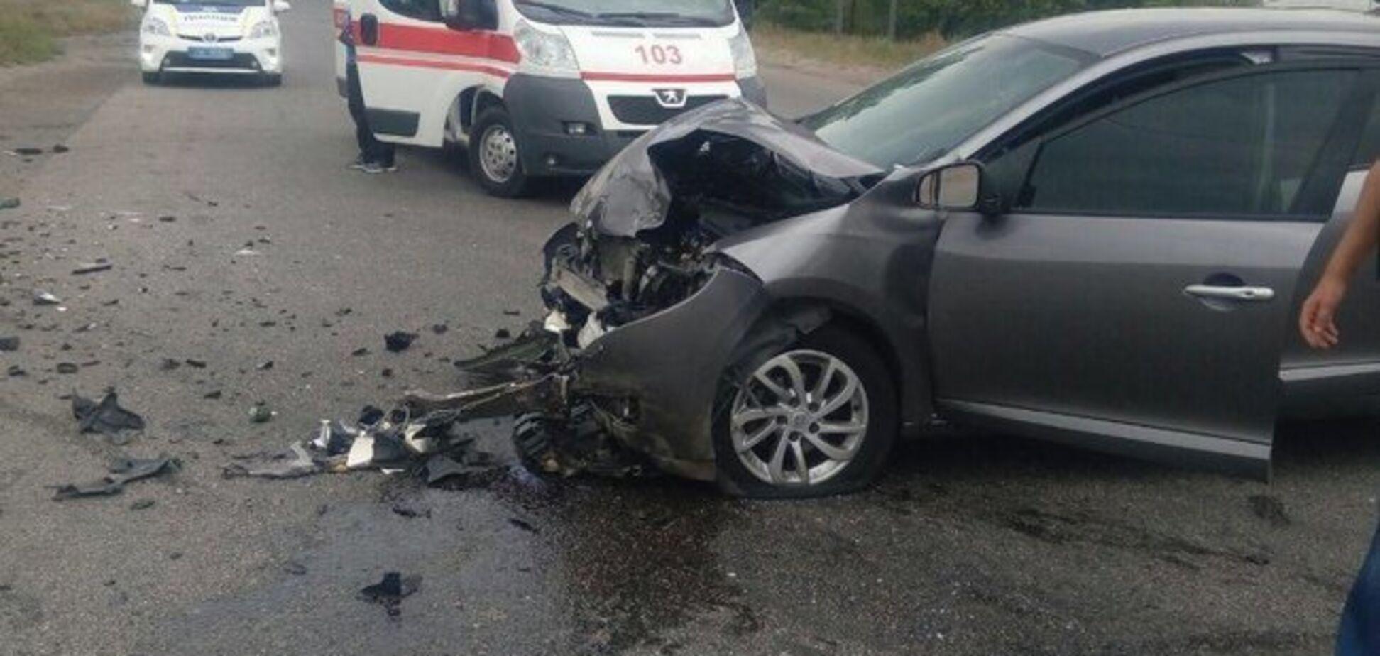 В Харькове произошло смертельное ДТП с двумя легковушками: фото 18+