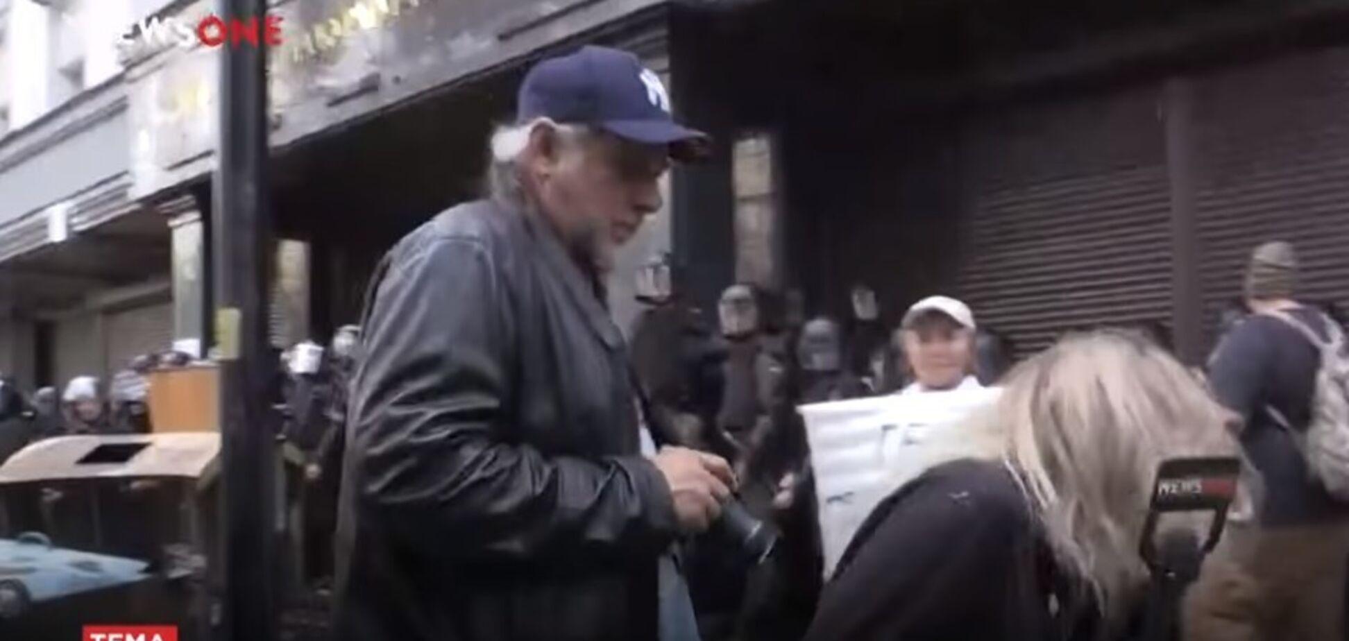 У Києві у прямому ефірі напали на журналістку: відео інциденту