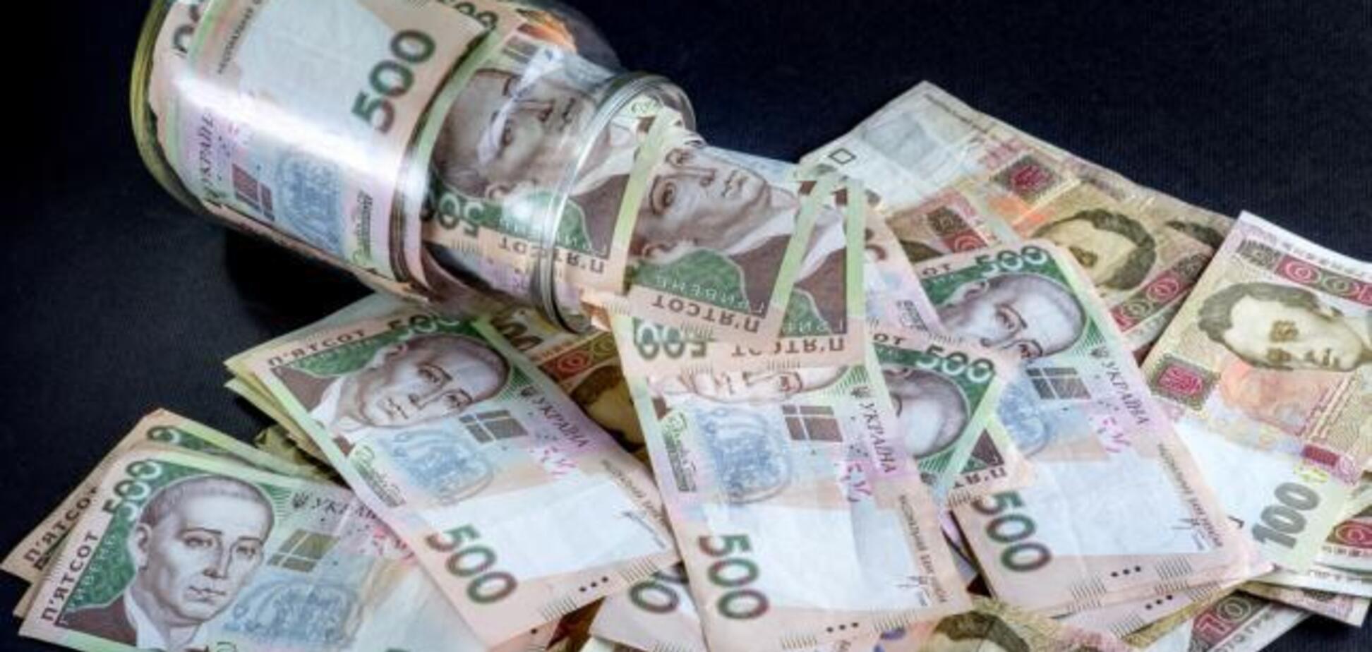 Новый доллар, подорожание газа и массовые проверки: что ждет украинцев в октябре