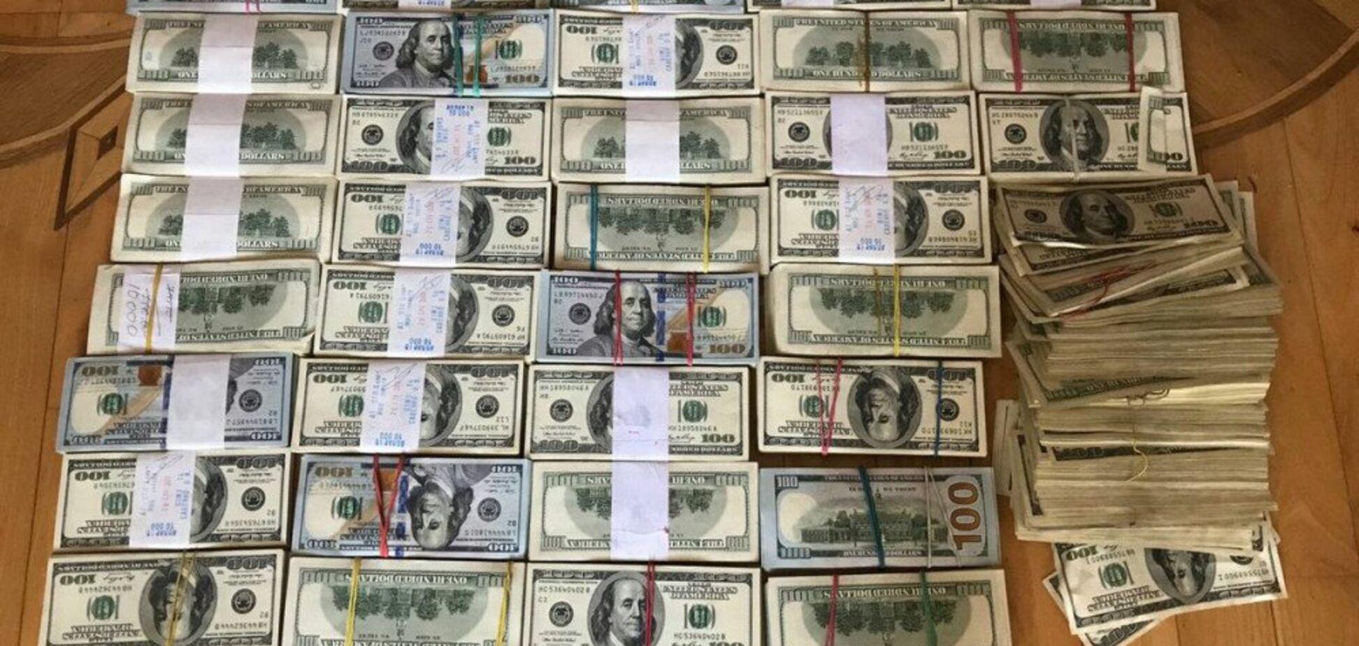 ''Собирал на старость'': в Одессе ''вору''-пенсионеру вернули ''общак'' в $1 млн