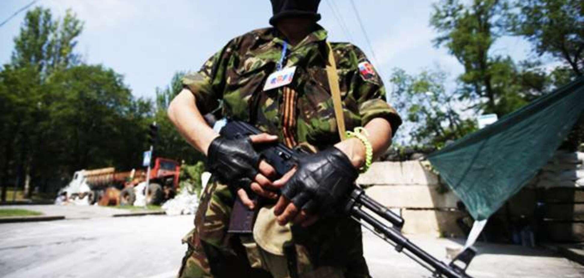 Под Донецком поймали террориста с арсеналом оружия: опубликованы фото