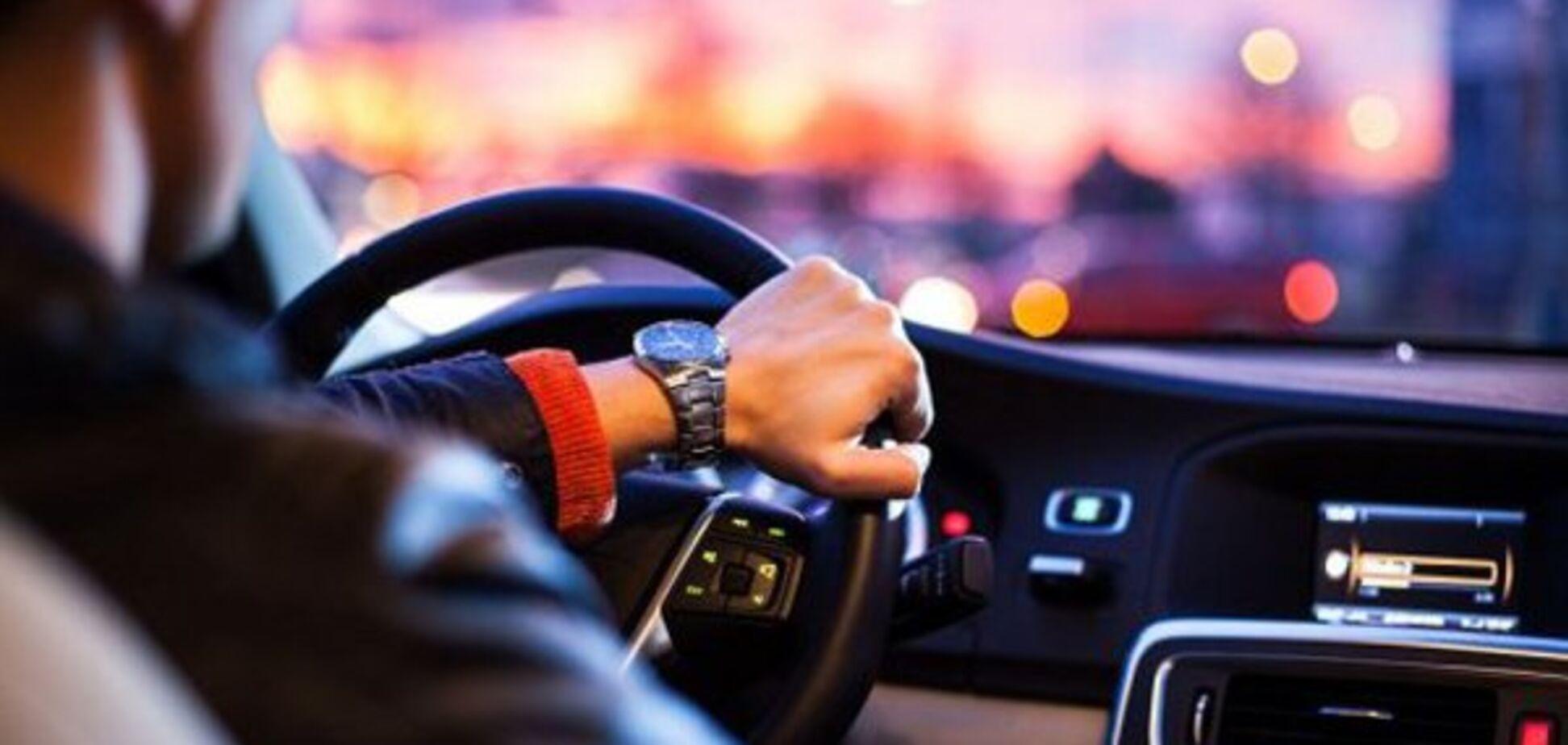 В Україні водіям можуть дозволити їздити без прав: що це значить