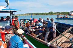 Число жертв крушение парома в Танзании достигло 183: появились новые фото