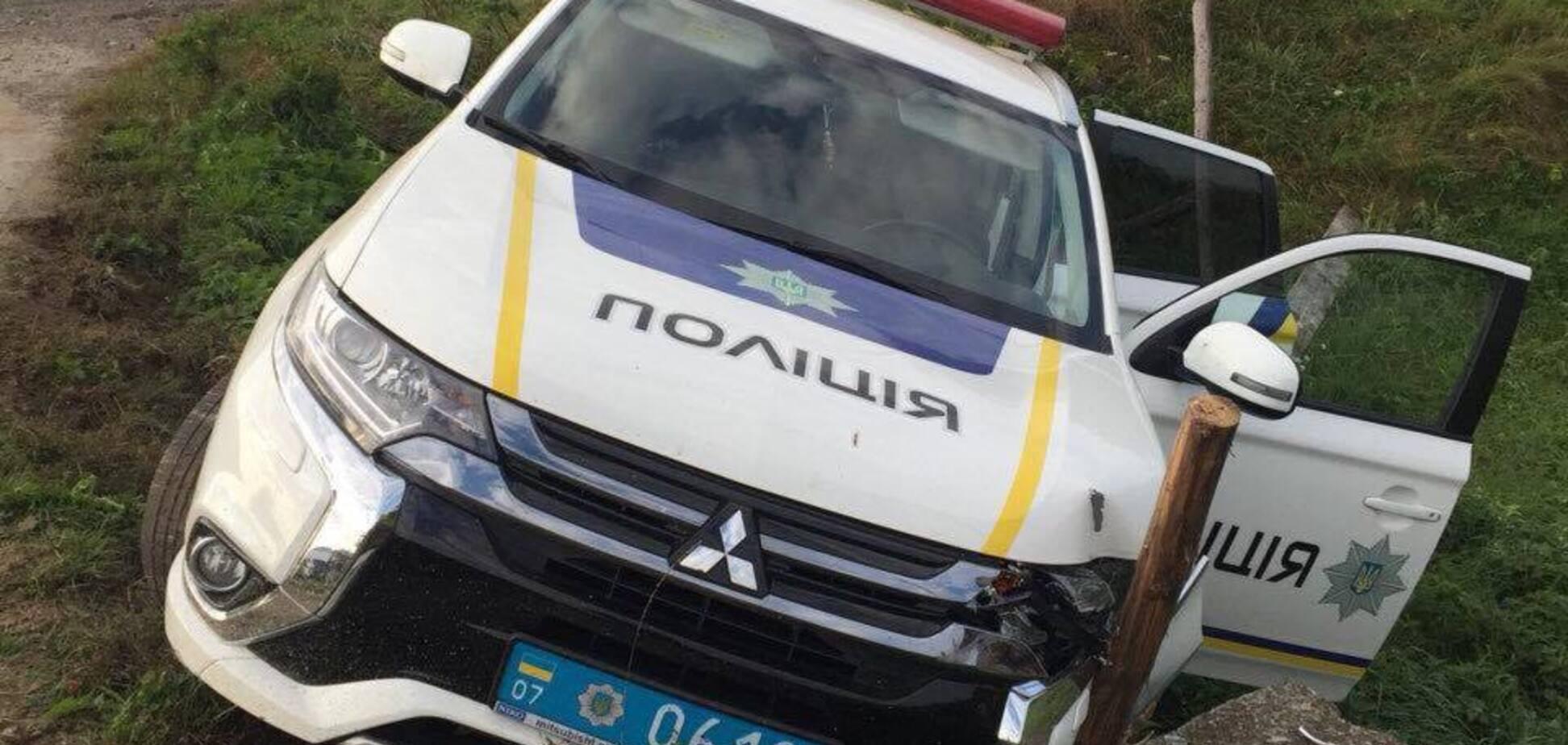 На Закарпатье полиция разбила очередное авто: как это произошло на самом деле