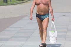 'Ходят по городу с голым пузом': раскрыты самые мерзкие привычки туристов в России