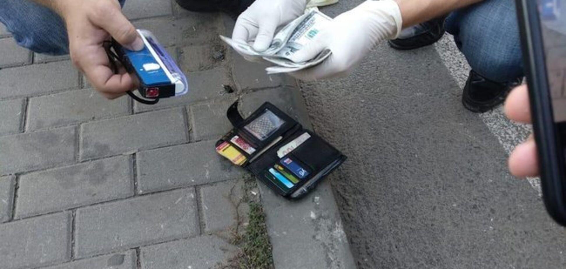 В Днепре чиновник погорел на взятке: раскрыты коррупционные схемы облсовета