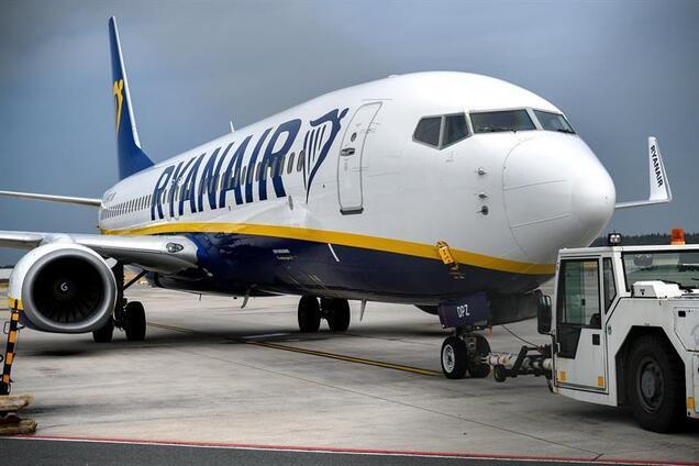 Около 30 тыс. пассажиров: Ryanair угодил в скандал из-за массовой отмены рейсов