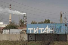 Люди тікають, орудують мародери: Армянськ перетворився на місто-привид після кислотної атаки