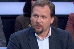 ''Не хотят стрелять в братьев'': скандальный украинский ведущий впал в маразм о ВСУ