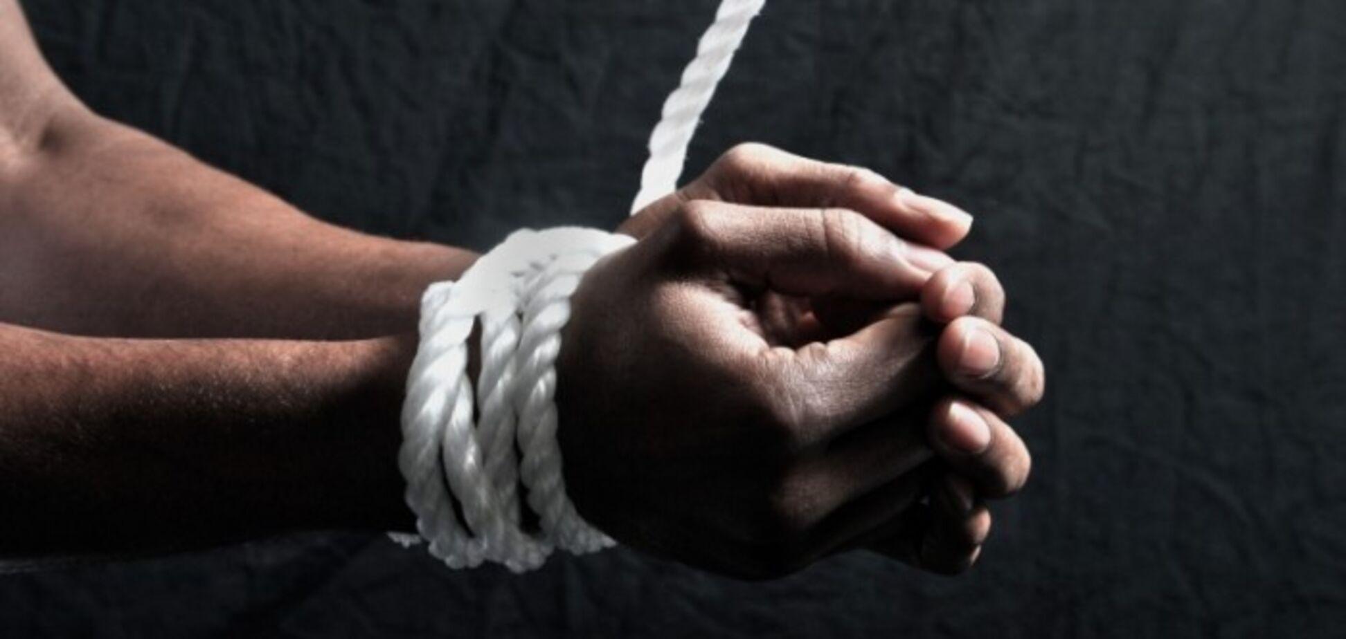''Глаз вынимали ложкой, сверлили грудь'': пленные рассказали о пережитых в ''Л/ДНР'' адских пытках