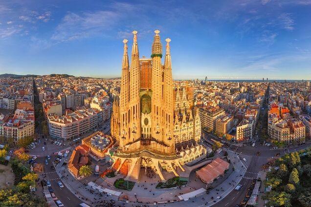 """""""В воздухе пахнет морепродуктами"""": что нужно знать, когда едешь в Барселону"""