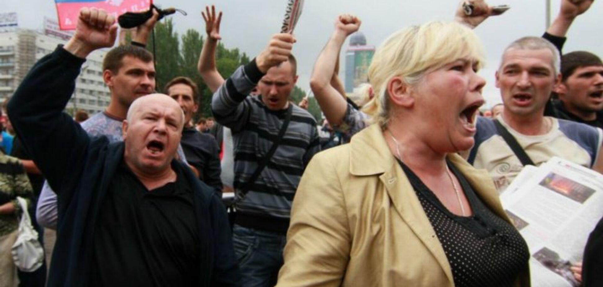 Львівський журналіст закликав відгородитися від Донбасу стіною, ровом і голодними крокодилами