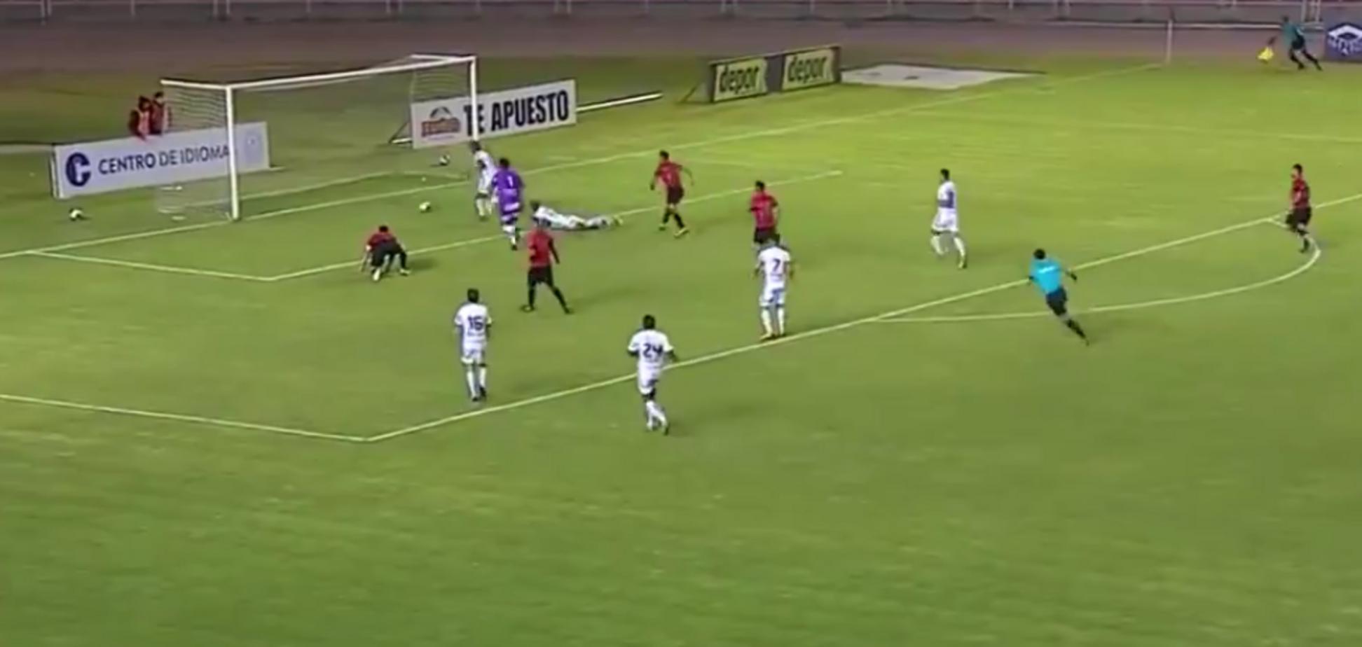 Перуанські футболісти забили ідеальний гол для підручників клоунади