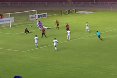 Перуанские футболисты забили идеальный гол для учебников клоунады