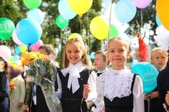 'Перший раз в перший клас': як знамениті українці повели дітей до школи