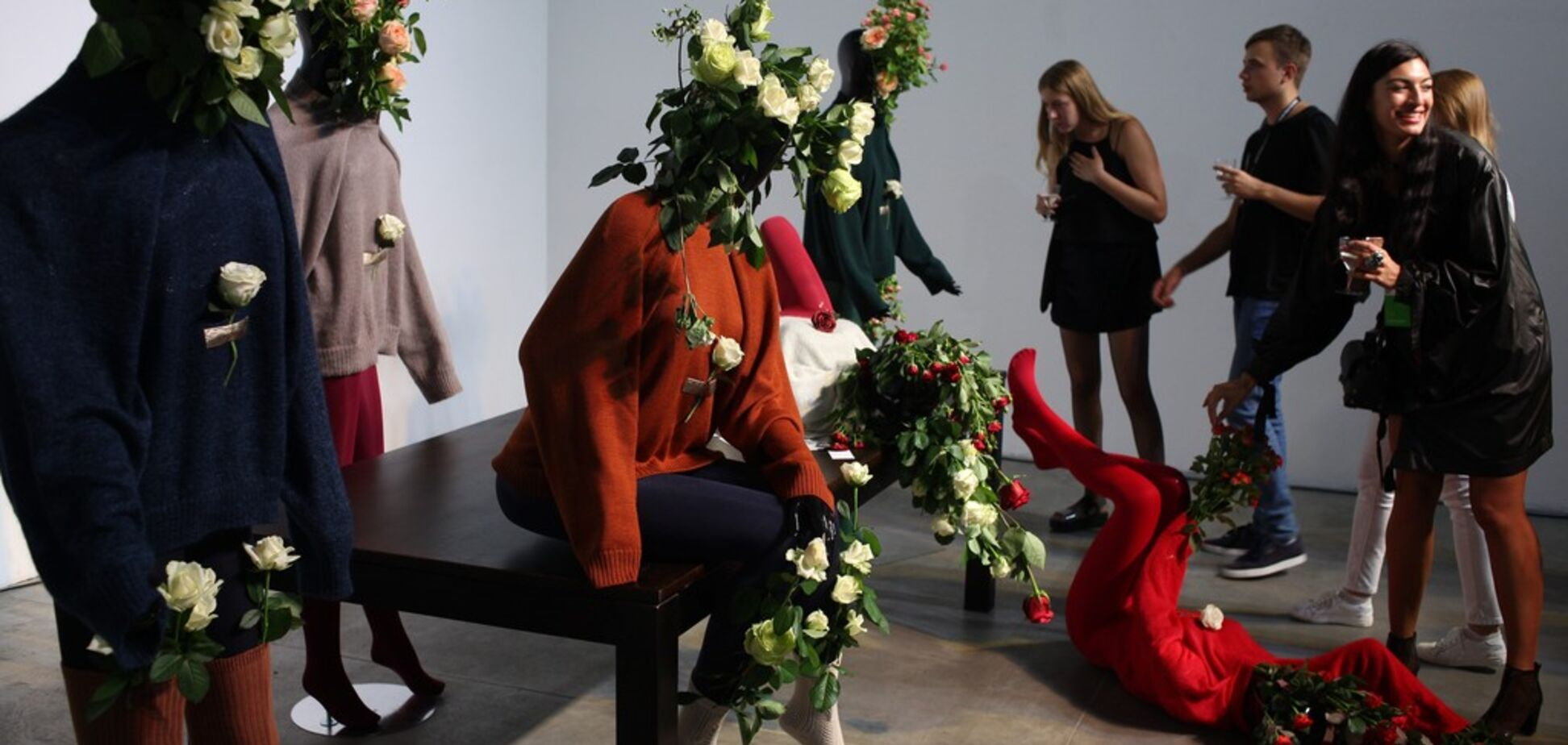 Квіти замість голови: чим здивував Ukrainian Fashion Week