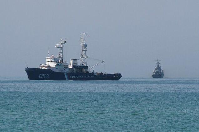 Россия захватила украинское судно в Крыму: все подробности