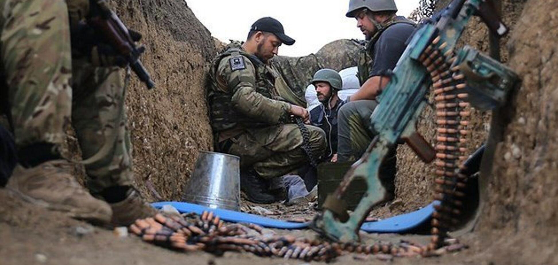 Террористы ''Л/ДНР'' подключили снайперов: ранены бойцы ОС