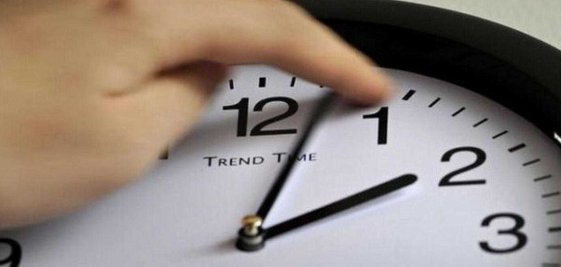 Перевод часов: украинцы высказались о ''зимнем времени''