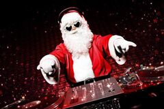 Праздничное настроение: 10 лучших песен на Новый год