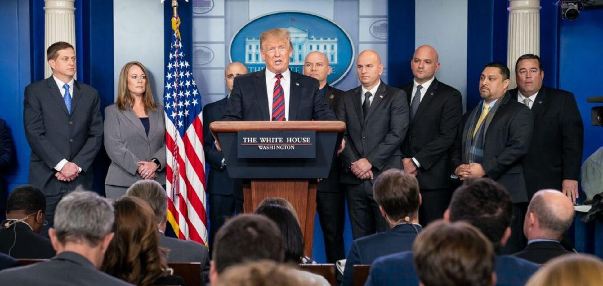 США грозит чрезвычайное положение из-за Трампа-диктатора: что случилось