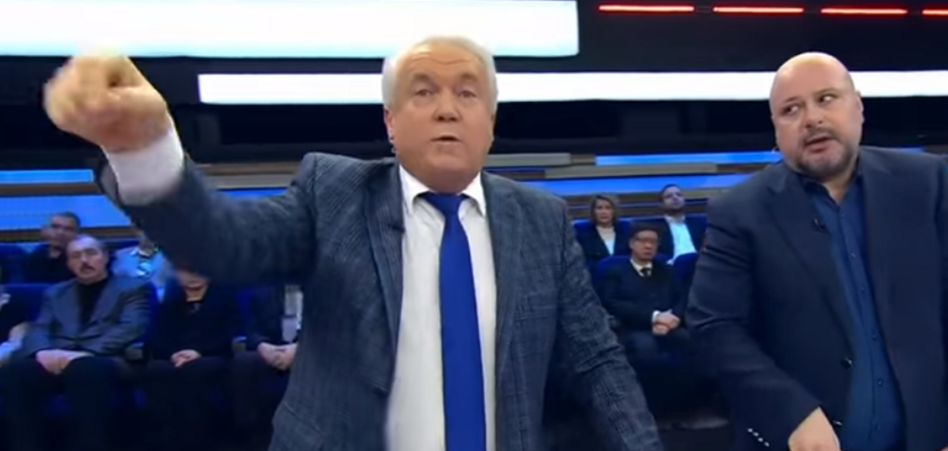 ''Топят дровами!'' Беглый экс-регионал выдал фейк о ''замерзающей'' Украине