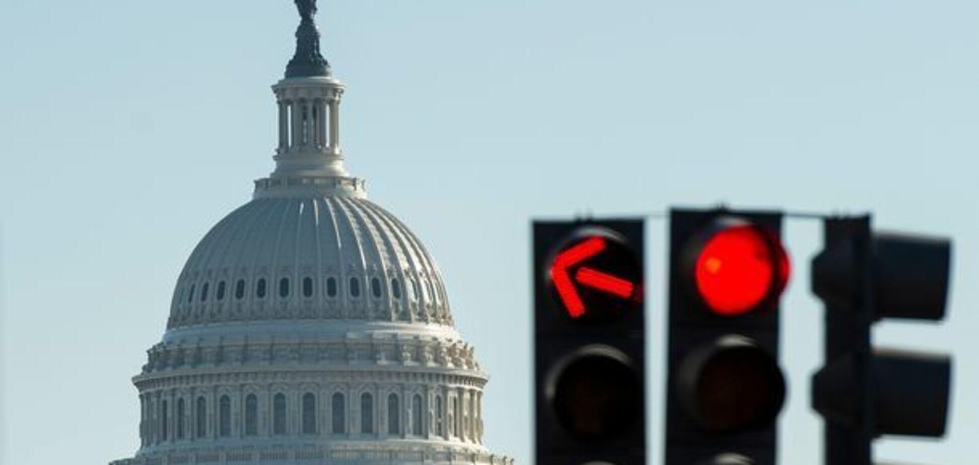 ''До свидания!'' Кризис из-за ''шатдауна'' в США усугубился: что будет дальше