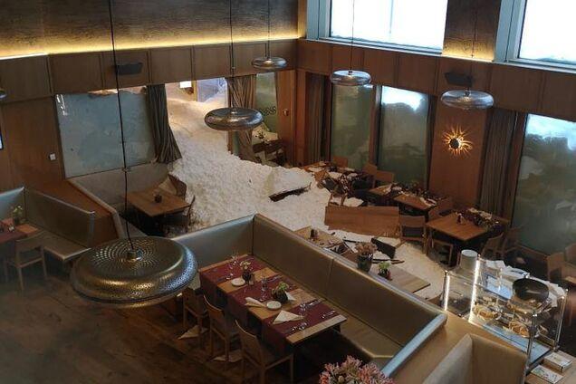 В Швейцарии лавина уничтожила популярный отель: пугающие фото