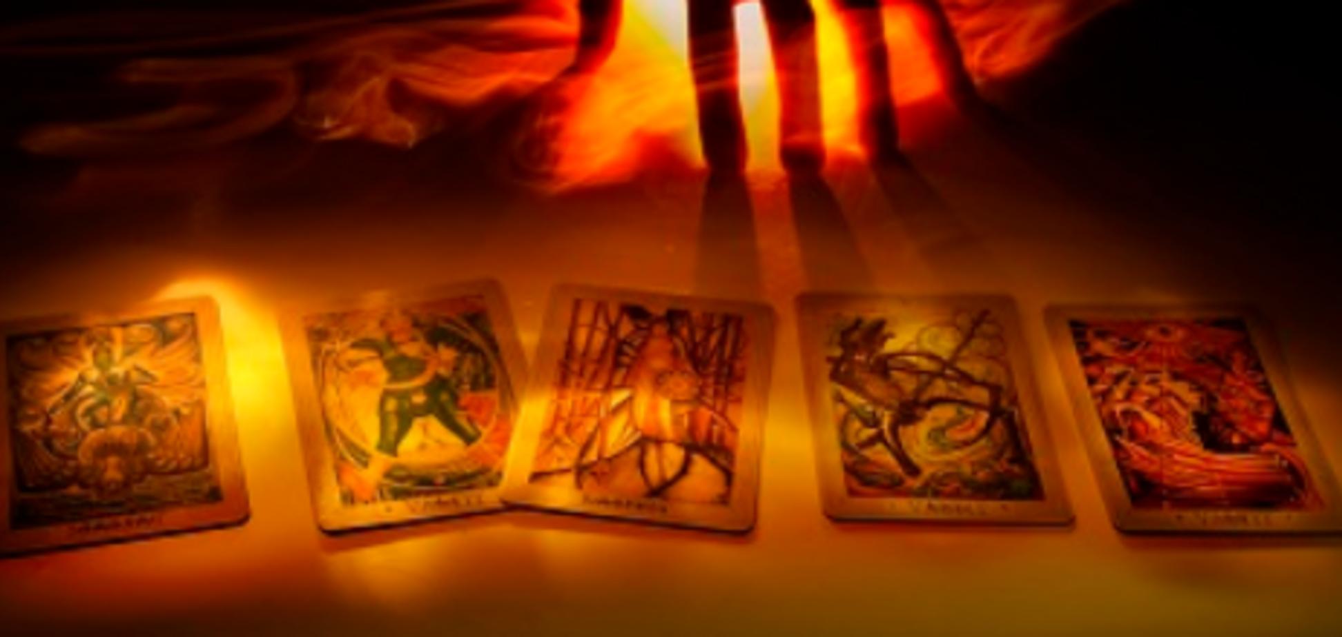 Гороскоп на 12 січня для всіх знаків Зодіаку за картами Таро: кому загрожує небезпека