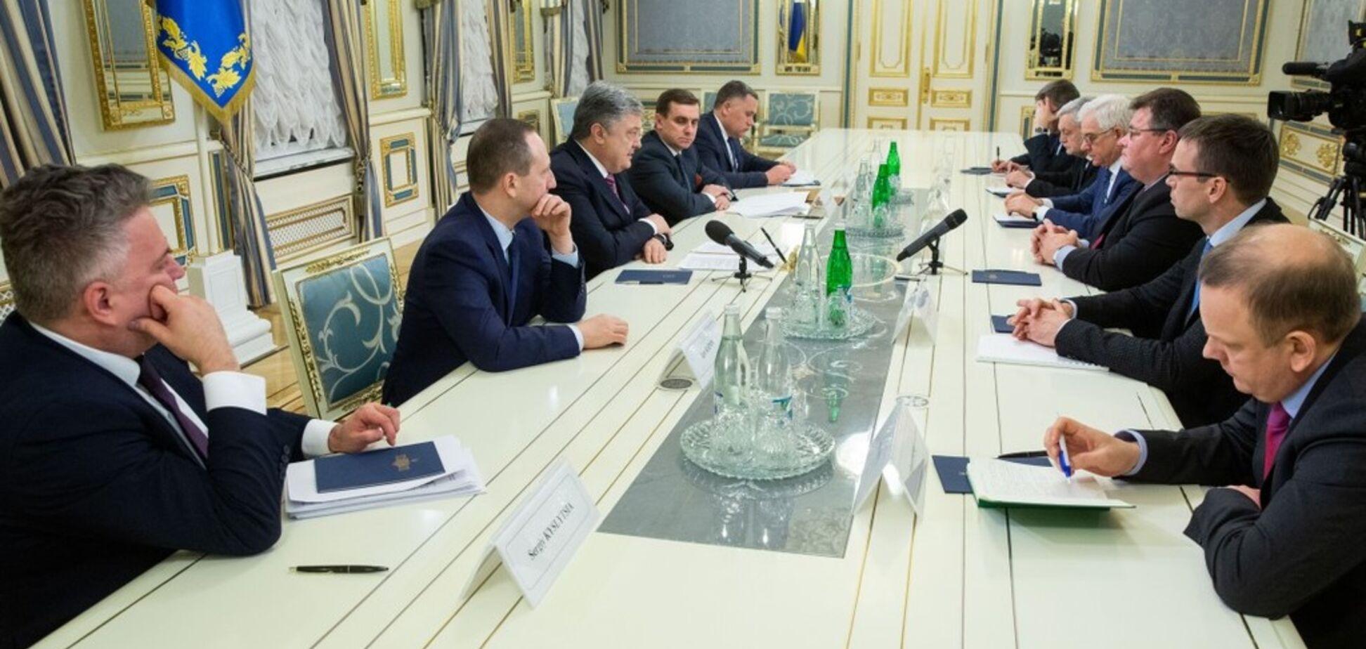 Сильнее давить на Россию: Порошенко договорился с главами МИД Европы